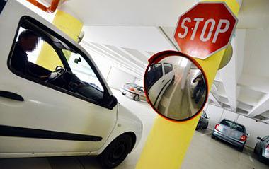 Van akinek, tetszik, van, akinek nem. A lényeg: végre használható a sokat szidott parkolóház. A tesztelők közül sokan állítják: aligha veszik igénybe a jövőben. FOTÓ: LÉNÁRT MÁRTON