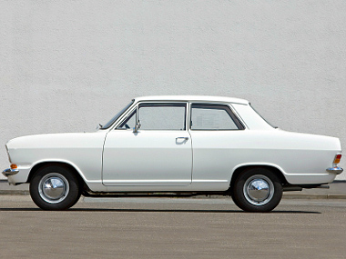 Kadett B, kétajtós limuzin, 1965. szeptember-1973. július