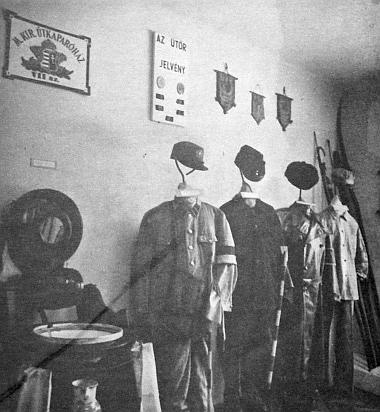 Az útkaparóház címeres tábláját már csak a múzeumban láthatjuk. A Kiskőrösi Közúti Múzeumban őrzik az útkaparó eszközeit, szegényes életének kellékeit is