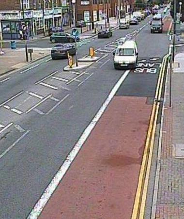 A rendőrök láttán Wiggins úr lehúzódott a buszsávba, a kamera fényképezett. A büntetés kiküldése maradt el, és így a fellebbezés lehetősége