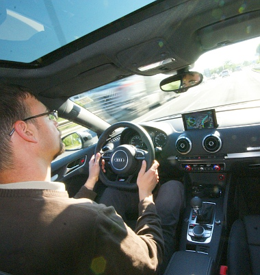 Automataváltós A3-asként viselkedik a kábeles hibrid, amely az Audik közül elsőként kap elektromos féket