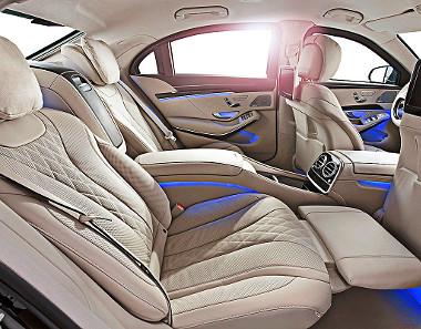 Minden elképzelhető luxus ott van a páncélozott utastérben