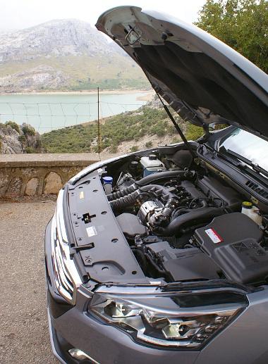 Új hengerfejet kapott az 1.6 THP. CSuda jó motort hoztak össze a francia mérnökök BMW-alapon