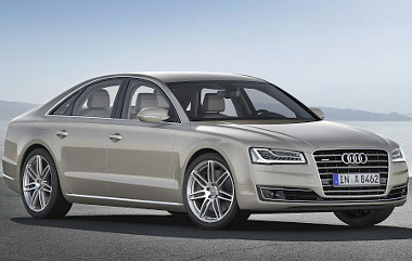 Jelenleg az Audi az egyetlen gyártó, mely luxuslimuzinhoz V8-as dízelt kínál