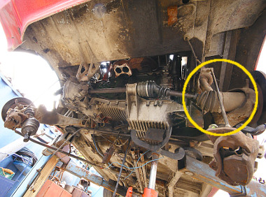 Ez az összerohadt csatlakozás akadályozza a motor leengedését