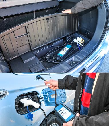A töltőcsatlakozónak külön rekeszt alakítottak ki a csomagtérpadlóban. 230 V-os hálózatból körülbelül 5 óra a töltési idő