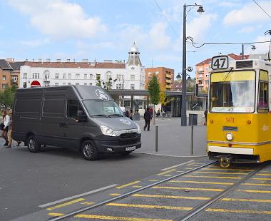 Áramigazgatás: tempója okán városi környezetben boldogulhat az elektromos Iveco Daily
