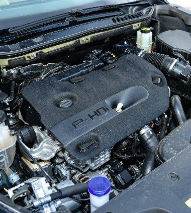 Kulturált, erős és tiszta a 180 lóerős BlueHDi dízelmotor