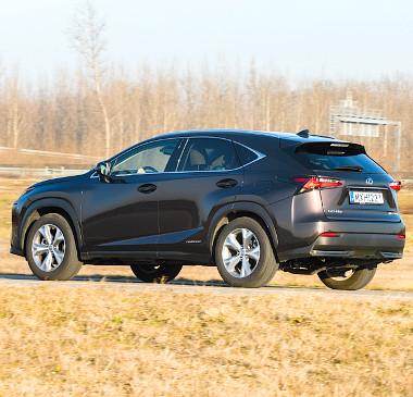 """Felszereltségtől függetlenül az összes NX a Lexus """"öngyógyító"""" fényezésével érkezik"""