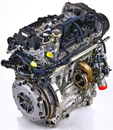Számos részegységet a négyhengeres Volvo motorokból emeltek át