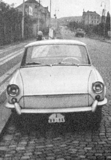 A járda mellett álló kocsi képe még akkor jelent meg lapunkban, amikor csak prototípus volt az új Škoda