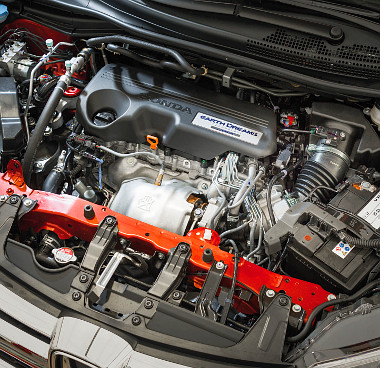 Az új motor és váltó 65 kg-mal könnyebb a korábbi hajtásláncnál