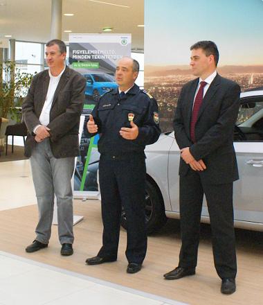 Knezsik István, az Autós Nagykoalíció elnöke, Kiss Csaba rendőr alezredes, az ORFK-OBB főtitkára, Dalnoki Balázs, a Škoda márkaigazgatója