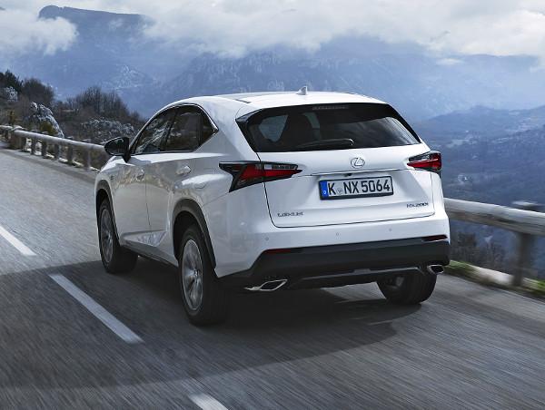 SUV létére igen közvetlen az NX kormányzása. Egymillió kilométeres tesztprogram és 10 ezer órányi próbapados nyúzás után dobta piacra a Lexus az új motort