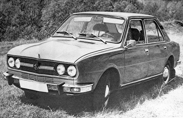Azok a felvételek, amelyek a Škoda-prototípus külsejét szemléltetik, megnyerő, harmonikus vonalvezetést tükröznek