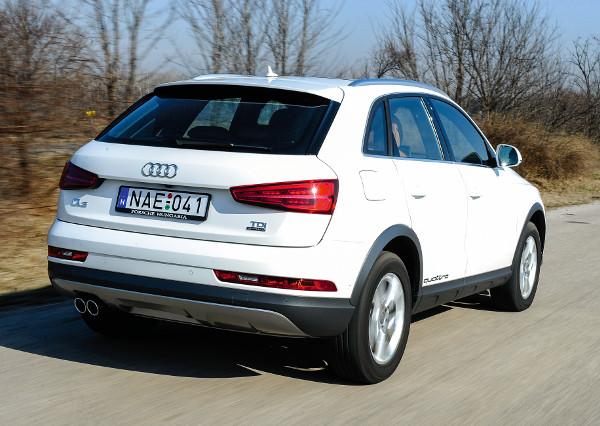 Vetélytársainál magasabb és robusztusabb stílusú a Q3as. A látványcsomag is a SUV-jelleget erősíti