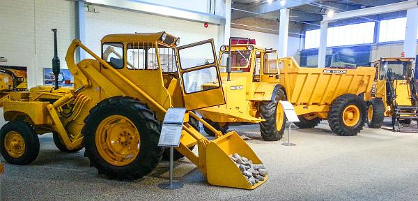 A Volvo Construction Equipment (építőipari gépek) története egészen 1832-ig nyúlik vissza. Jelenleg is számtalan különböző munkagépet gyártanak