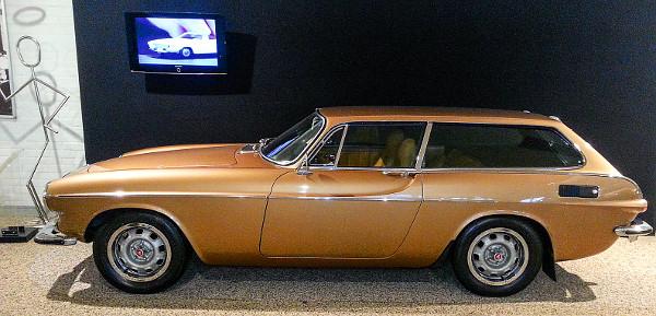 A svédeknek már 1971-ben volt kupészerű sportkombija – itt a shooting brake vadászkombi helyett a halárus becenév terjedt el. A 135 lóerős 1800 ES-ből 1973-ig 8077 darabot gyártottak