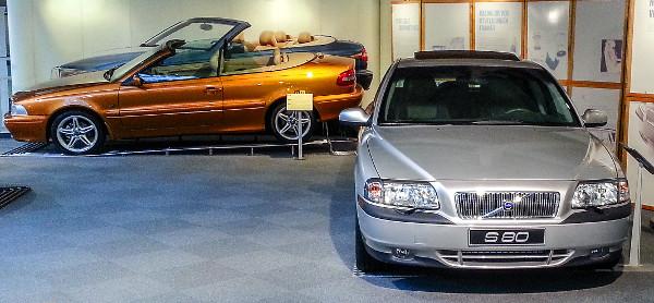 Az 1998-2006 között legyártott 400 000 darab S80-asból ez az első példány. Ezzel már a prémiumszegmens felé kacsintgatnak