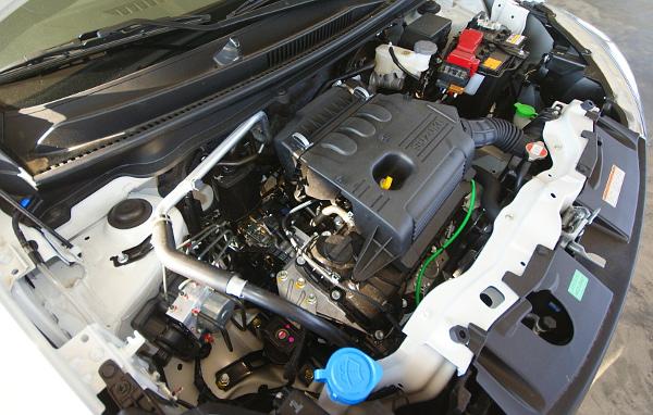 Szellős a motortér, hazánkban egyelőre csak a K10B motort fogják forgalmazni