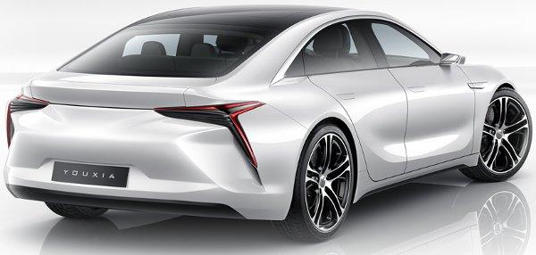 Innen nézve a Toyota Mirai volt a minta, azon használnak haosnló formájú lámpákat és szellőzőnyílásokat