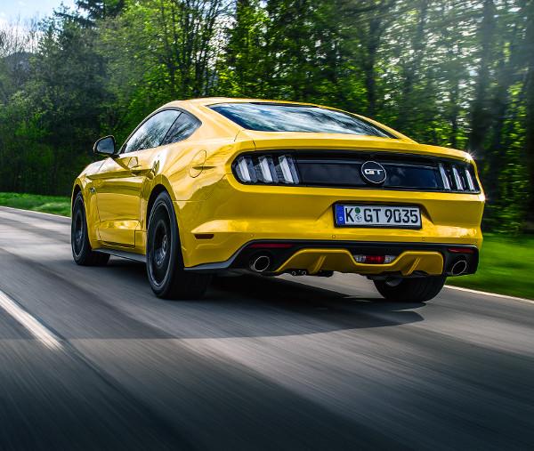 Az év végéig 40 db Mustang eladásával tervez az importőr, 2016-ban jóval 100 példány feletti mennyiséggel kalkulál a Ford Motor Hungária