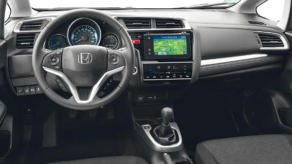 A szintén friss HR-V szabadidő-autóval mutat rokonságot a belső design. A CVT-váltó felára 300 ezer forint