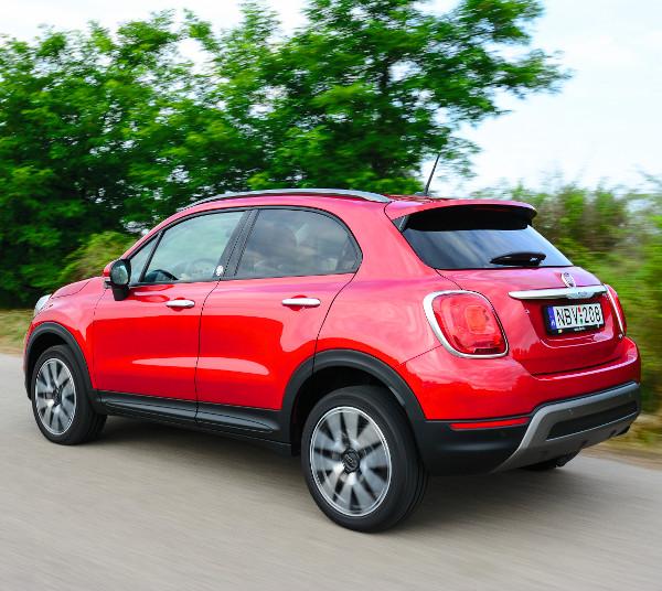 Az Opening Edition verzióból mindössze 2000 példányt gyárt a Fiat