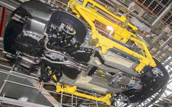 Eredetileg az Opel Omega B számára fejlesztették ki a Zeta padlólemezt