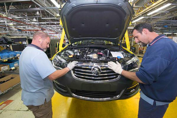 A márkajelzés búcsúzik, az autót egy belga üzletember meg akarja menteni