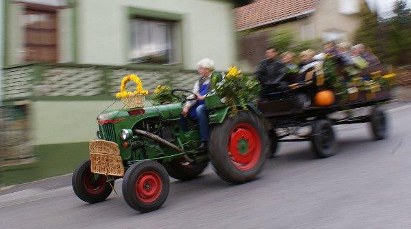 solymári traktoros