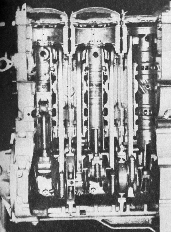 Nemcsak ritkaság, hanem szép és tanulságos is az ellendugattyús Krupp-motor szemléltető metszete