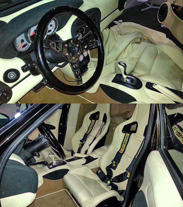 OMP sportkormány mögött Porsche műszeregység. A Porsche ülések maradtak a négypontos övekkel. Minden bőrbe dombornyomták a Bara-emblémát