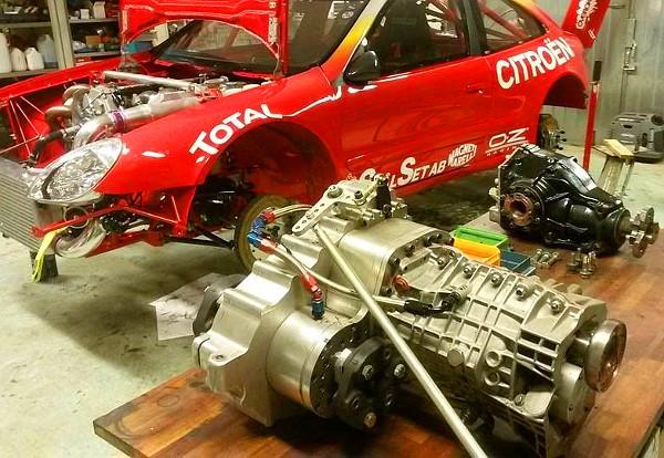 A váltó és a differenciálmű, ami megbirkózik az akár 1000 lóerős motorral