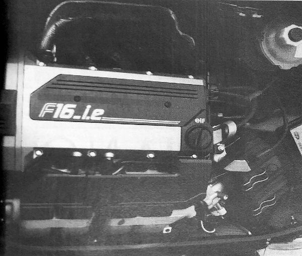 Szinte hihetetlen, hogy egy ekkora motor elfért a gépházban