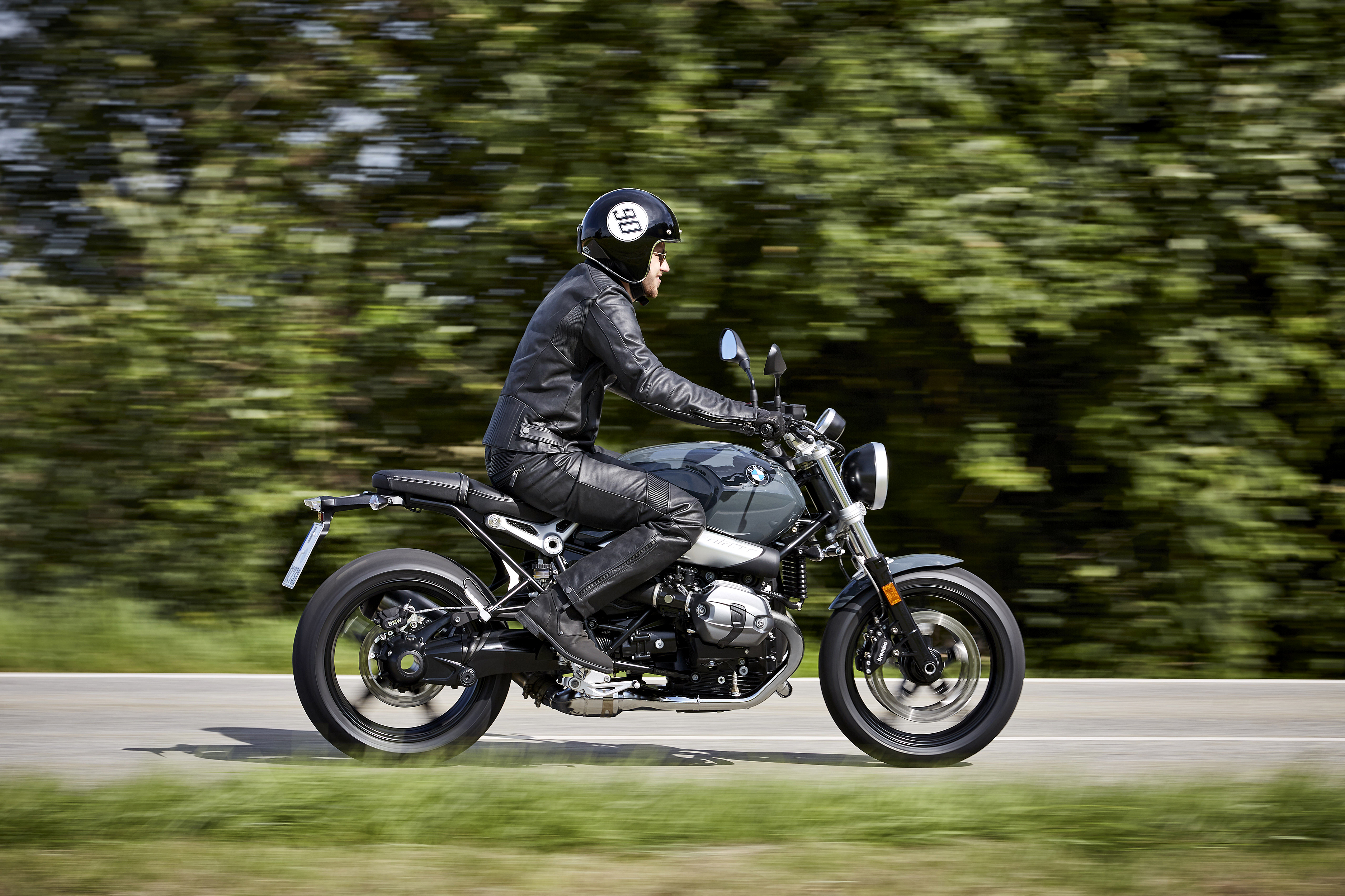 P90232691_highRes_the-new-bmw-r-ninet-