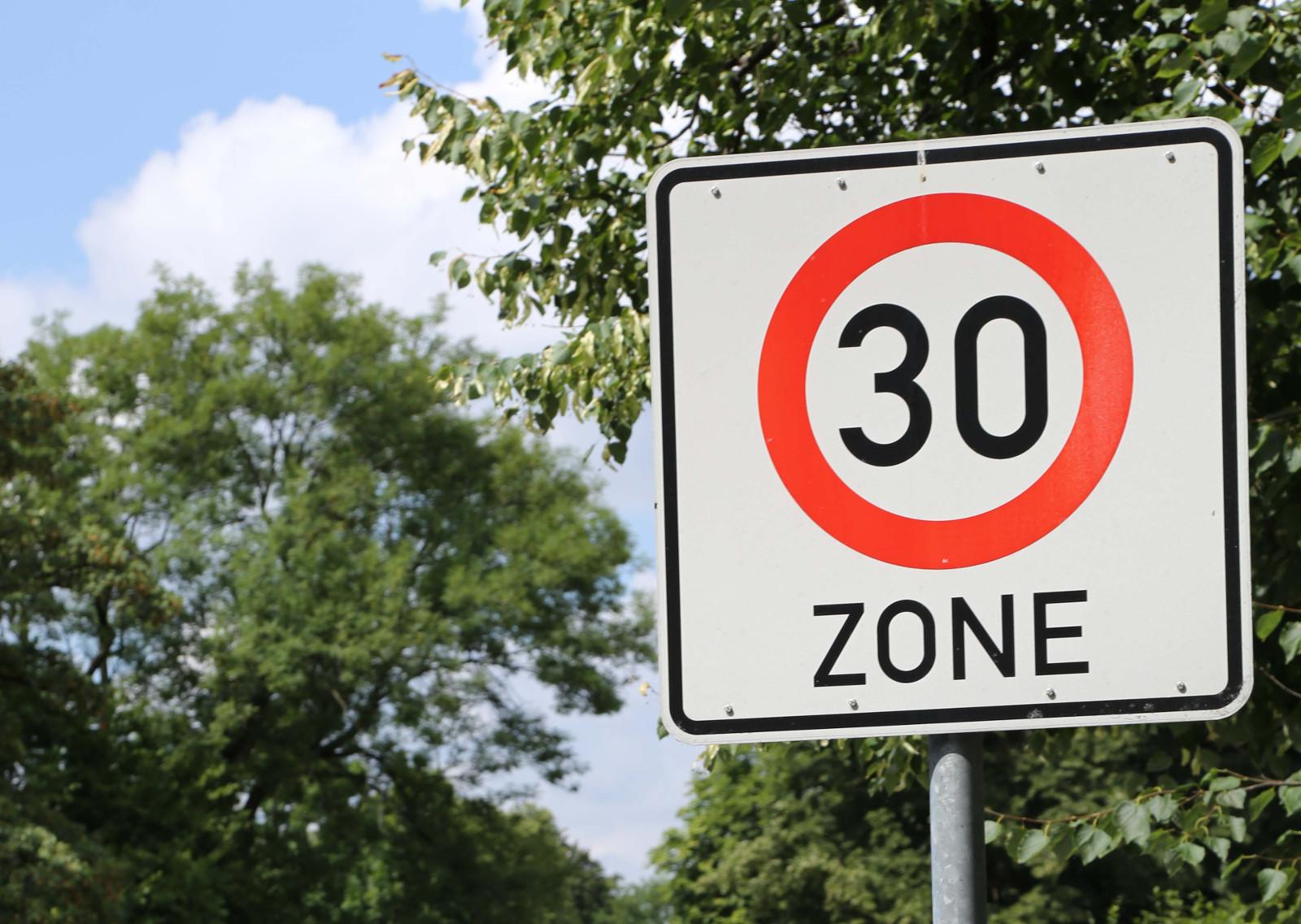 Strassenschild; Zone 30; München