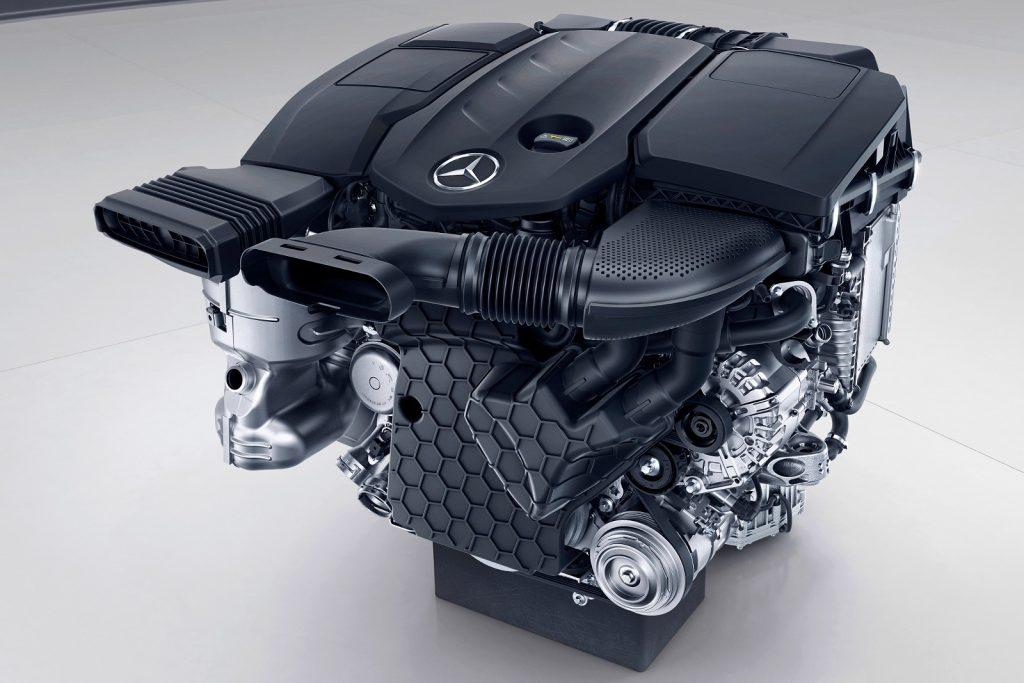 Mercedes-Benz E-Klasse, 4-Zylinder Csendes és takarékos, de indításkor nagyot ugrik a dízel