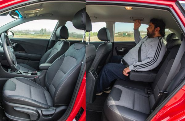 Családi autóként jól teljesít az új Kia, hátul termetesebbek is elférnek. A 4,35 méteres hosszúság fényében ez több mint kellemes meglepetés