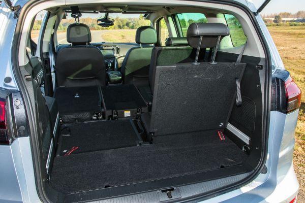 Sokféleképpen variálható az elrendezés, öt üléssel 710 literes a csomagtartó