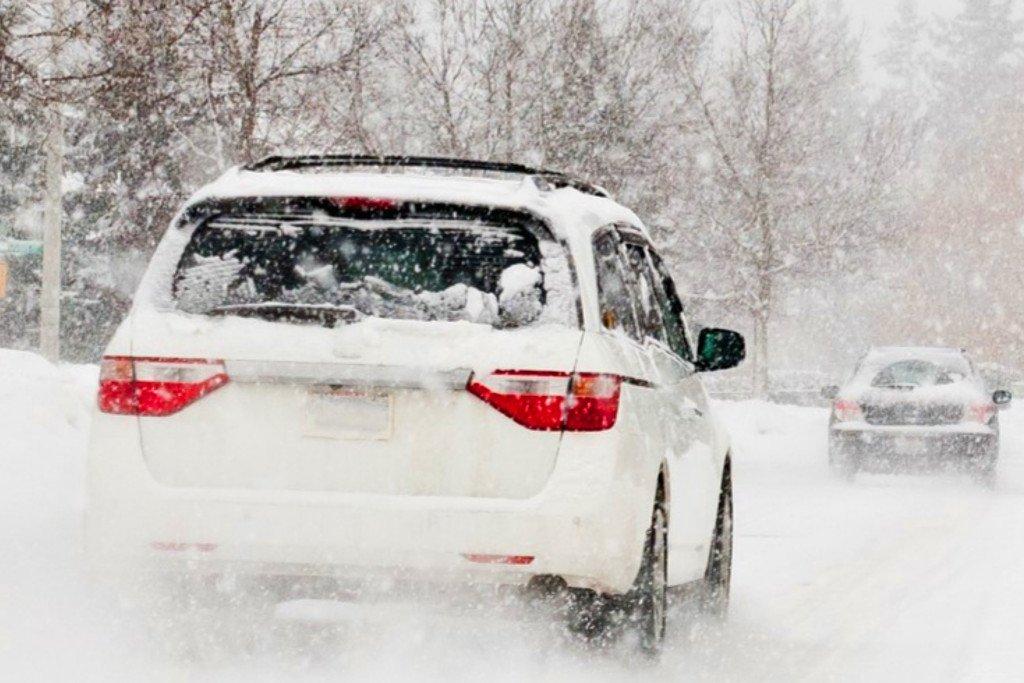 Évi 877 milliárd Ft kárt okoz az USA autósainak az utak sózása
