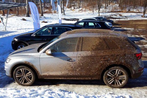 Reprodukálható a Peugeot jellegzetes hátul fekete megjelenése, csak el kell akadni hozzá a sárban...