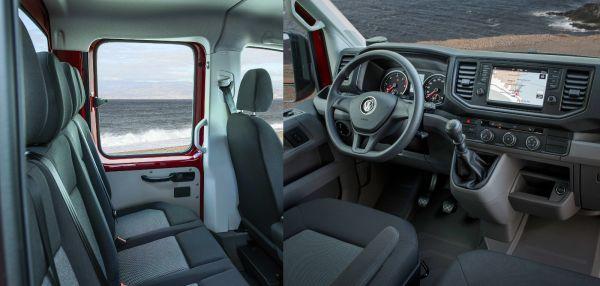 Személyautós nívójú a műszerfal, jó az ergonómia, nagy képernyős navigátor segíti a tájékozódást. Kényelmes és tágas a platós kivitel dupla fülkéje. Fotó: Karlovitz Kristóf és Volkswagen
