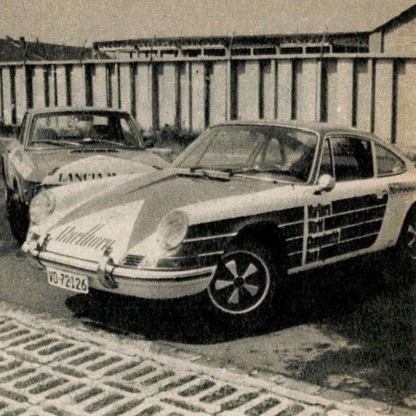 A félszemű Porsche, amely egyik fényszóróját ugyan elveszítette az úton, de szerencsére hathengeres, léghűtéses boxermotorjának új kori 190 DIN lóerejéből nem sok hiányozhatott