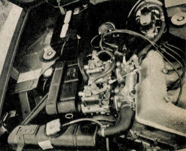 114 DIN, vagy ha úgy tetszik 130 SAE lóerőt lehetett hasznosítani a próbák során a mindössze 1584 cm3-es, két vezértengelyes, két ikerporlasztós, fronthajtású Lancia Fulvia Coupé 1600 HF négyhengeres, soros, kissé döntött, vízhűtéses motorjából